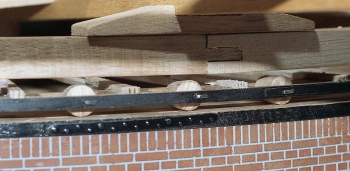 Penterbak bouwt paltrokmolen De Eenhoorn.