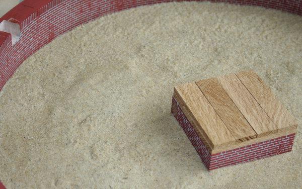 de hel met droog zand en de koningspoer